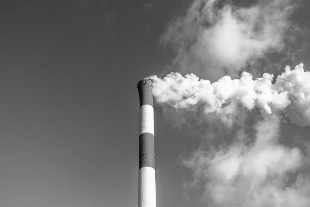 la cheminée d'une usine
